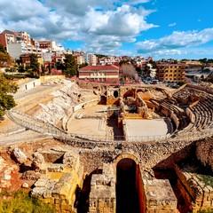 Panorama di Tarrafona con anfiteatro romano