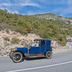 Rally internazionale di vetture depoca a Sitges